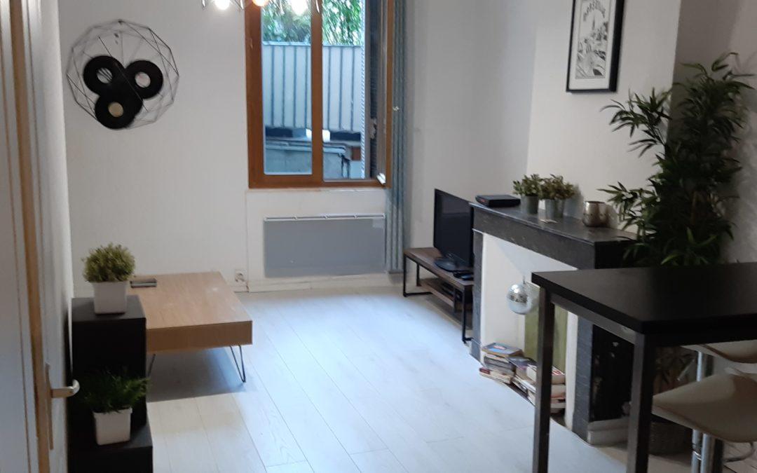Location appartement T1 meublé centre-ville